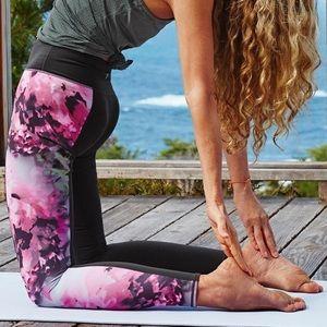 Athleta Chaturanga High Rise Bloom Legging XS